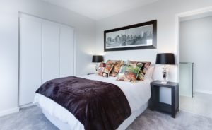 modern-minimalist-bedroom-3100786_1280