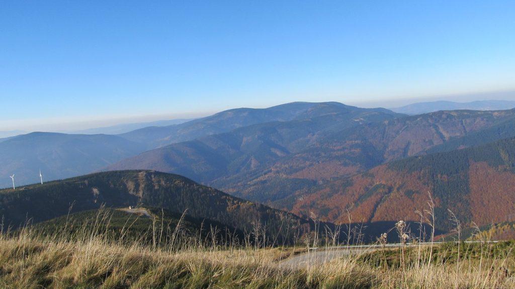 mountains-1441639_1280