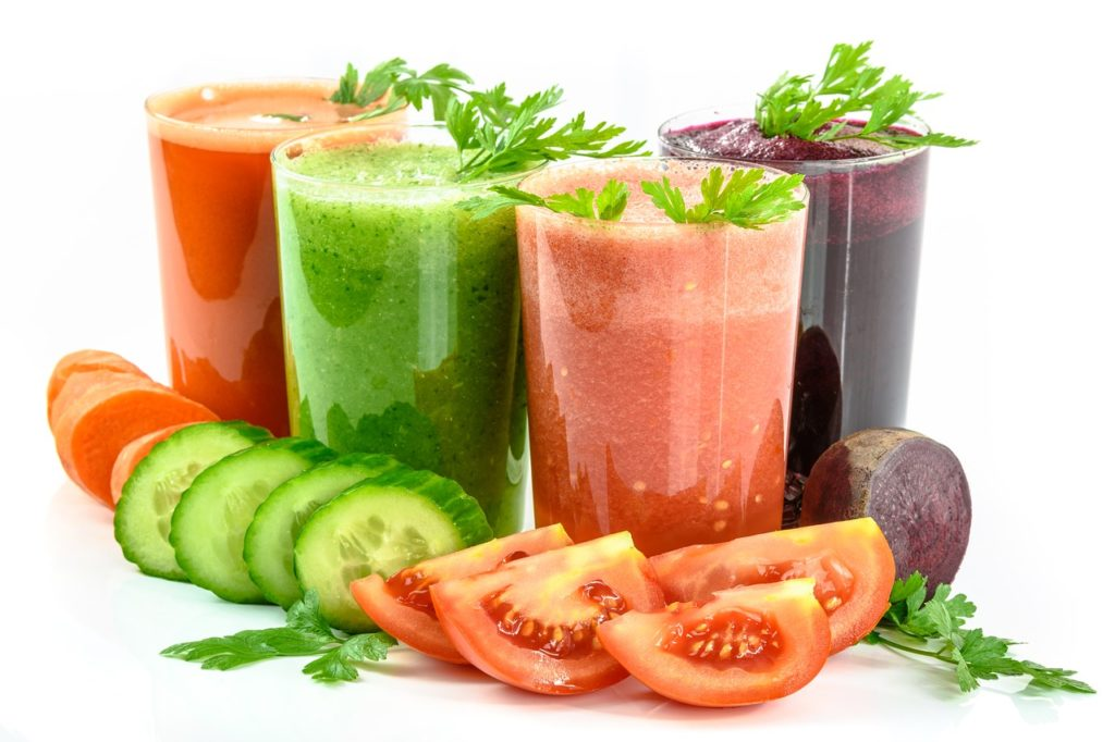 vegetable-juices-1725835_1280